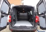 Opel Vivaro Cargo S, Seitenverkleidung aus Sperrholz L1